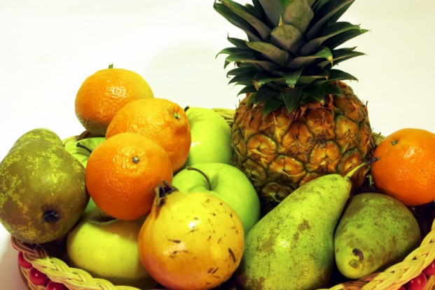 Use fruit for a colorful and tasty decoration