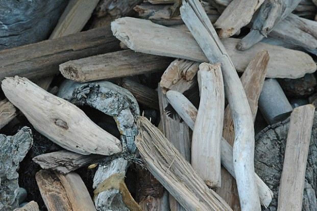 Get a coastal themed mantel with driftwood