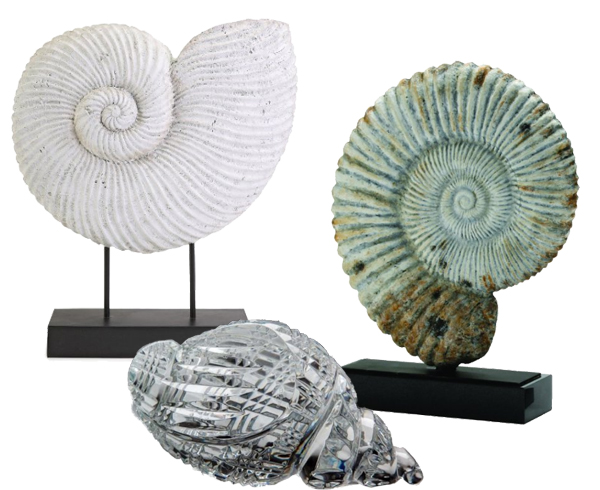 Use plaster, marble or crystal shells on the fireplace mantel