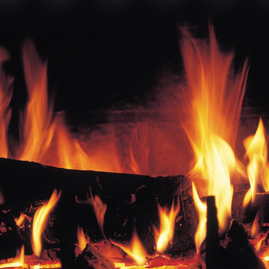 Build a Fire in Your Fireplace: Do's and Don'ts