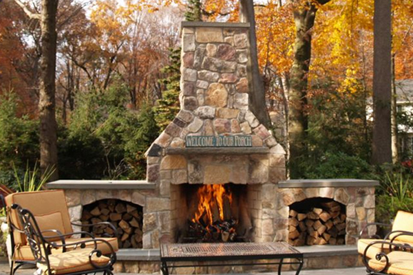 Outdoor chimney for outdoor fireplace with no chimney cap